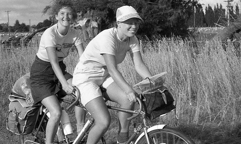 women on tandem